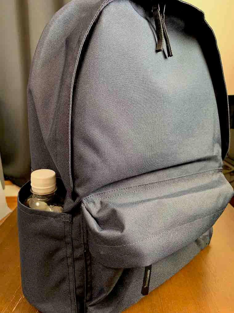 無印良品リュックのサイドポケット